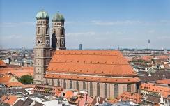 Frauenkirche_Munich_-_View_from_Peterskirche_Tower2